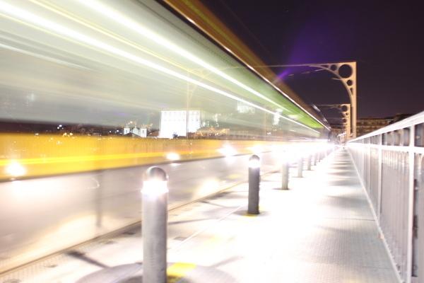 Metro Fantasma Autor: João Pedro Martins Campos Teixeira
