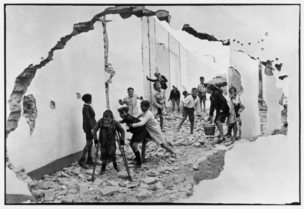 Seville. Spain. 1933 © Henri Cartier-Bresson