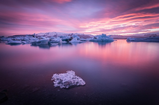 Jokulsarlon Glacier Lagoon in Iceland, photo by Francesco Riccardo Iacomino.