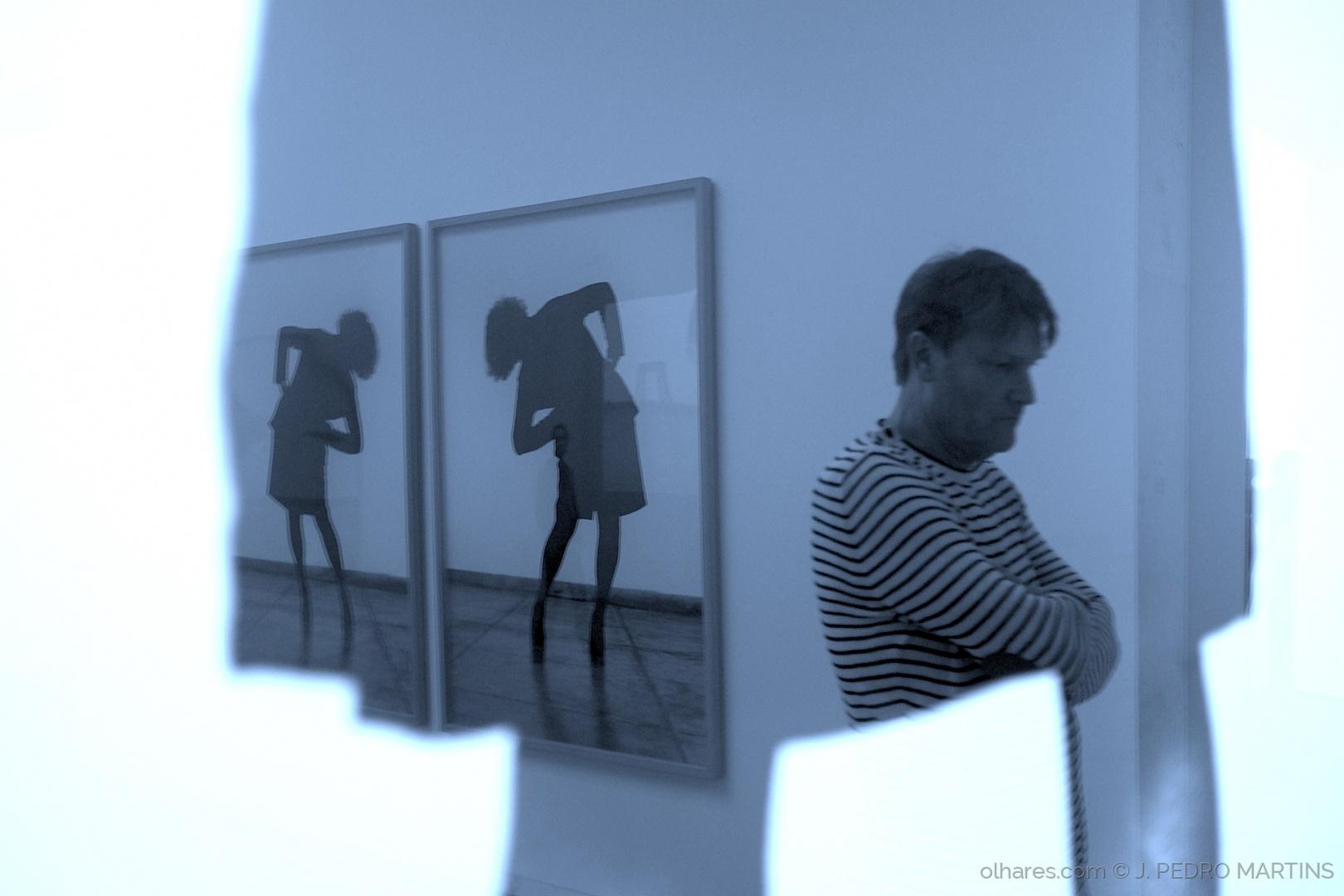Serralves - Museu de Arte Contemporânea Exposição HELENA ALMEIDA A minha obra é o meu corpo, <a href=