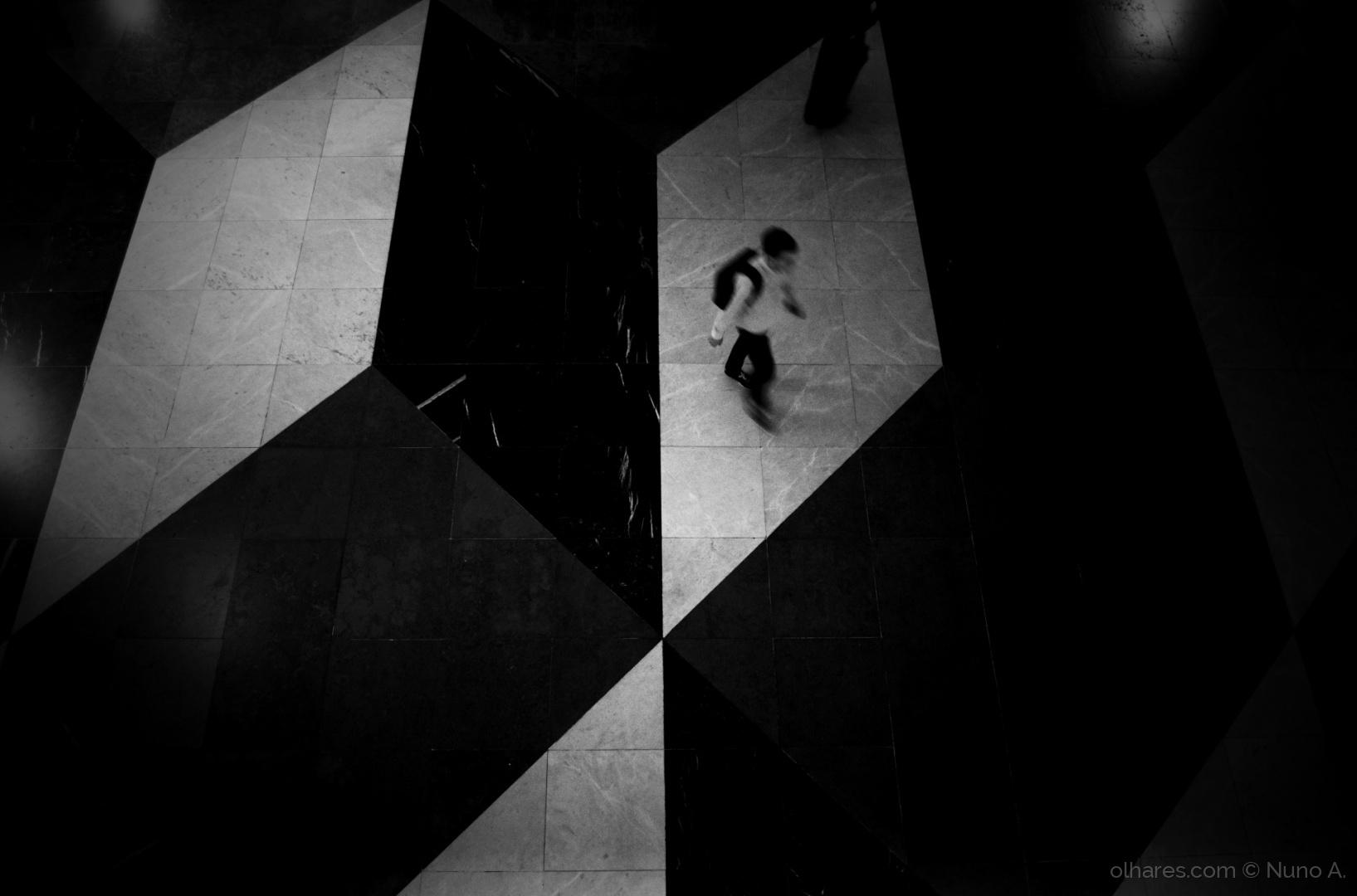 © Nuno A. - outside the box