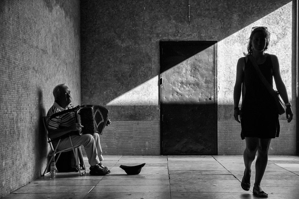 """""""O Som da Solidão"""", tirada por Luís Sarmento, em Lisboa, foi vencedora da categoria das """"18h00"""""""