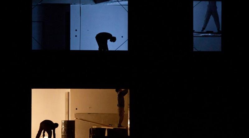 """""""Trabalhadores da construção"""". A fotografia, tirada no Irão, ganhou a categoria das """"05h00"""""""