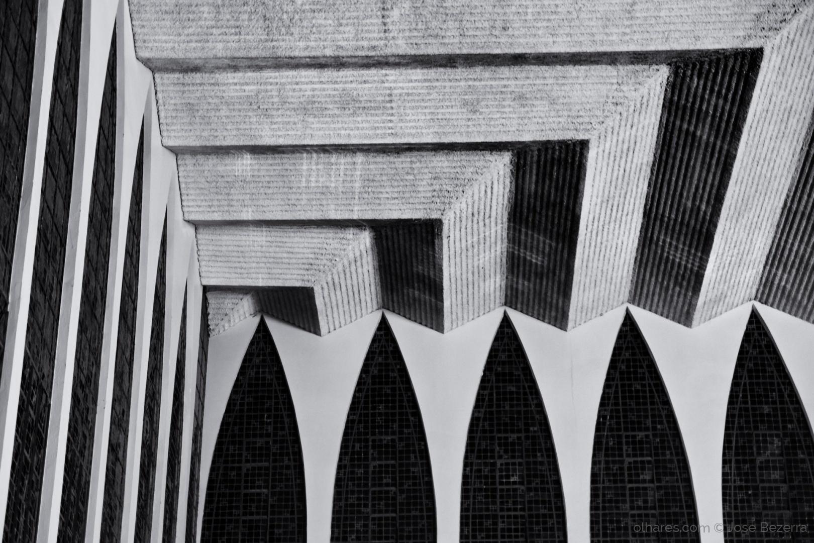 © Jose Bezerra - Linhas...  |  Buscar na geometria uma ordem harmônica é sem dúvida um ótimo exercício. Um bom fotógrafo deve levar este aprendizado para toda vida.