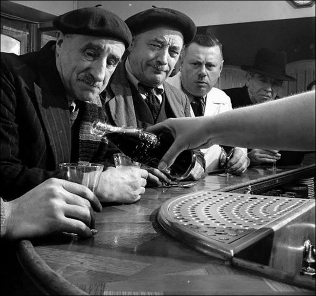 A chegada da Coca-Cola em França, 1950.