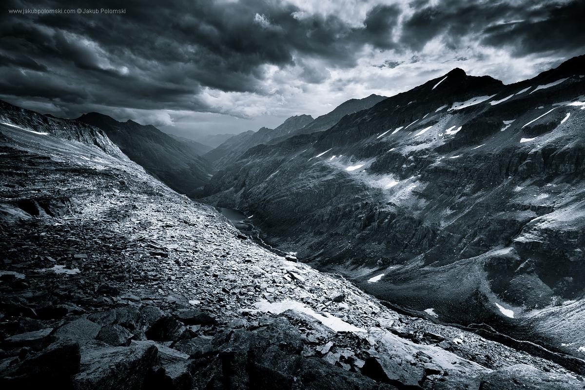 MONOCHROMATIC_Alps_02