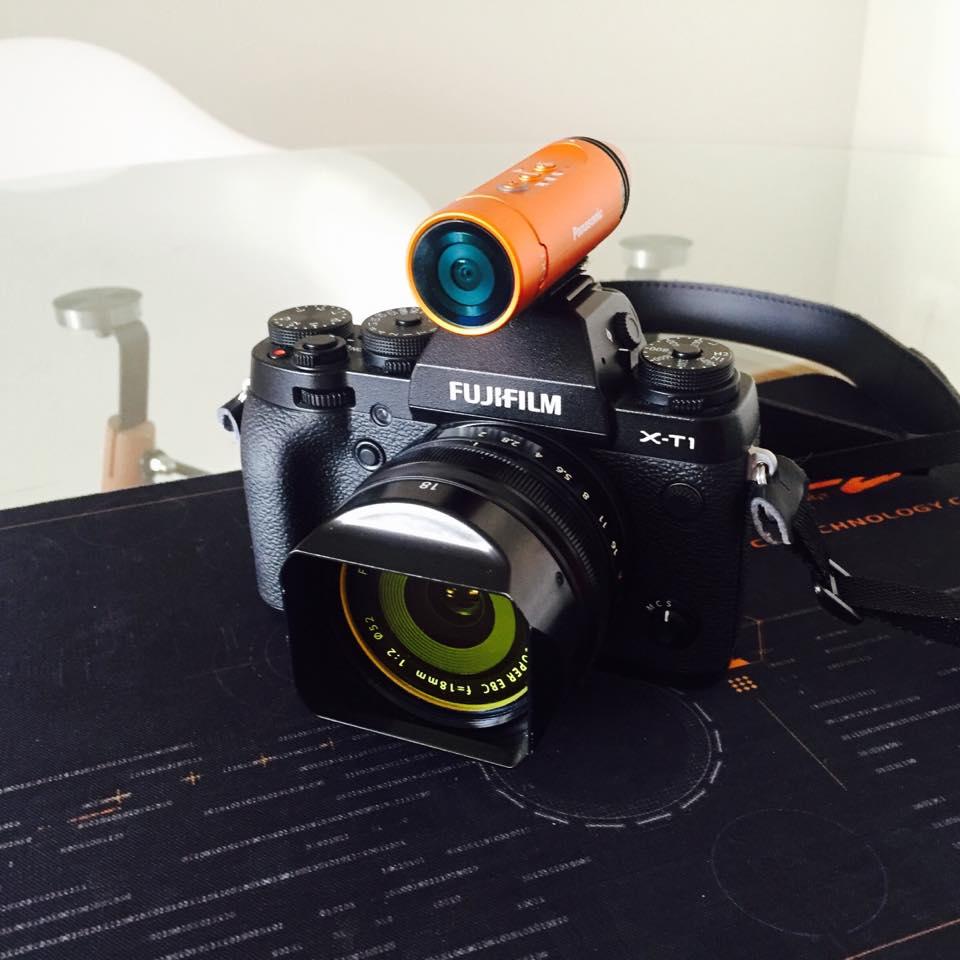 Panasonic HX-A1 acoplada numa câmara