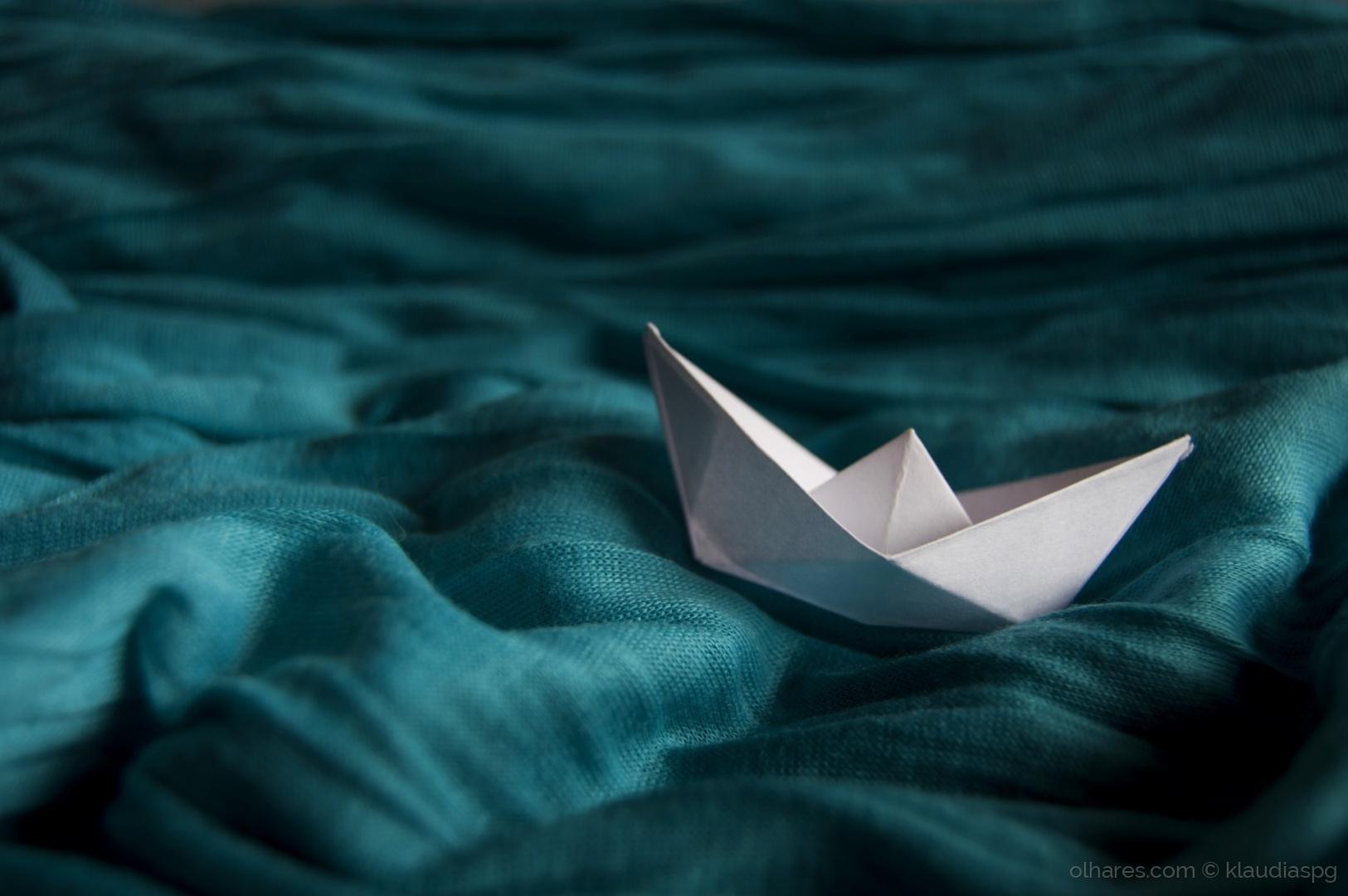 © klaudiaspg - Paper boat