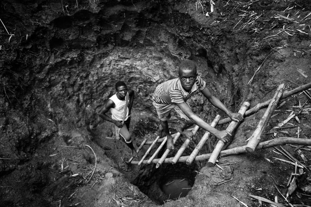 © Germano Miele - Construção de um poço