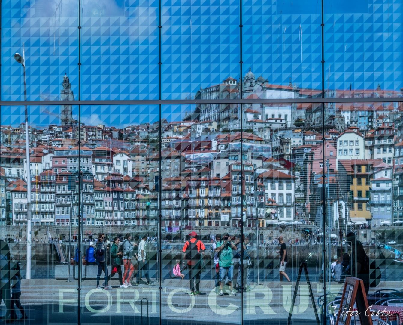 © Vitor Costa - Oporto ribeira in mirror