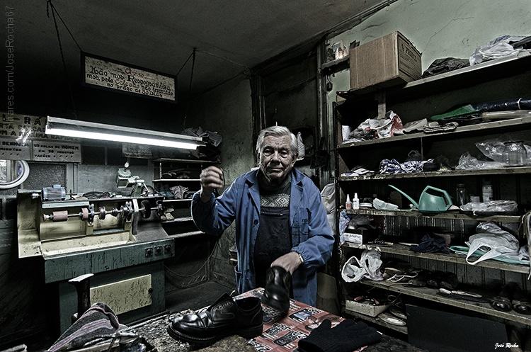 ©  José Rocha - O Sapateiro