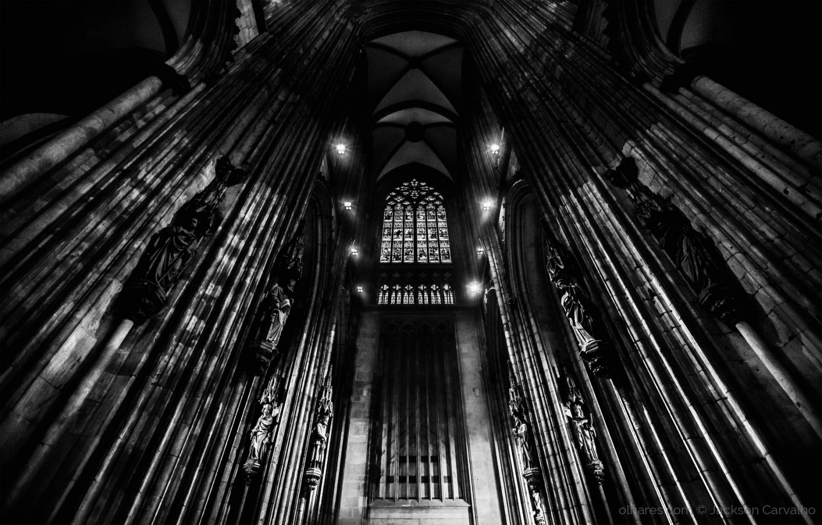 © Jackson Carvalho - Lines of Faith