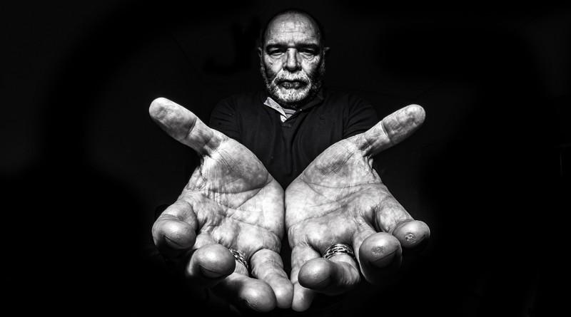 © Paulo Cesar da Silva - ...em mãos II