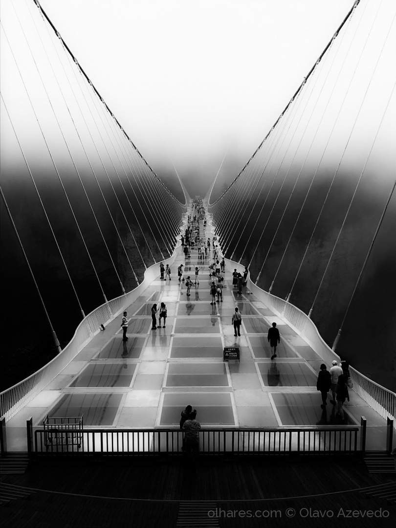 © Olavo Azevedo - Over the bridge