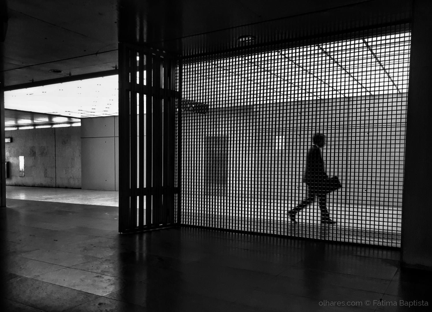 © Fátima Baptista - Aprisionadas mentes em passos rotineiros