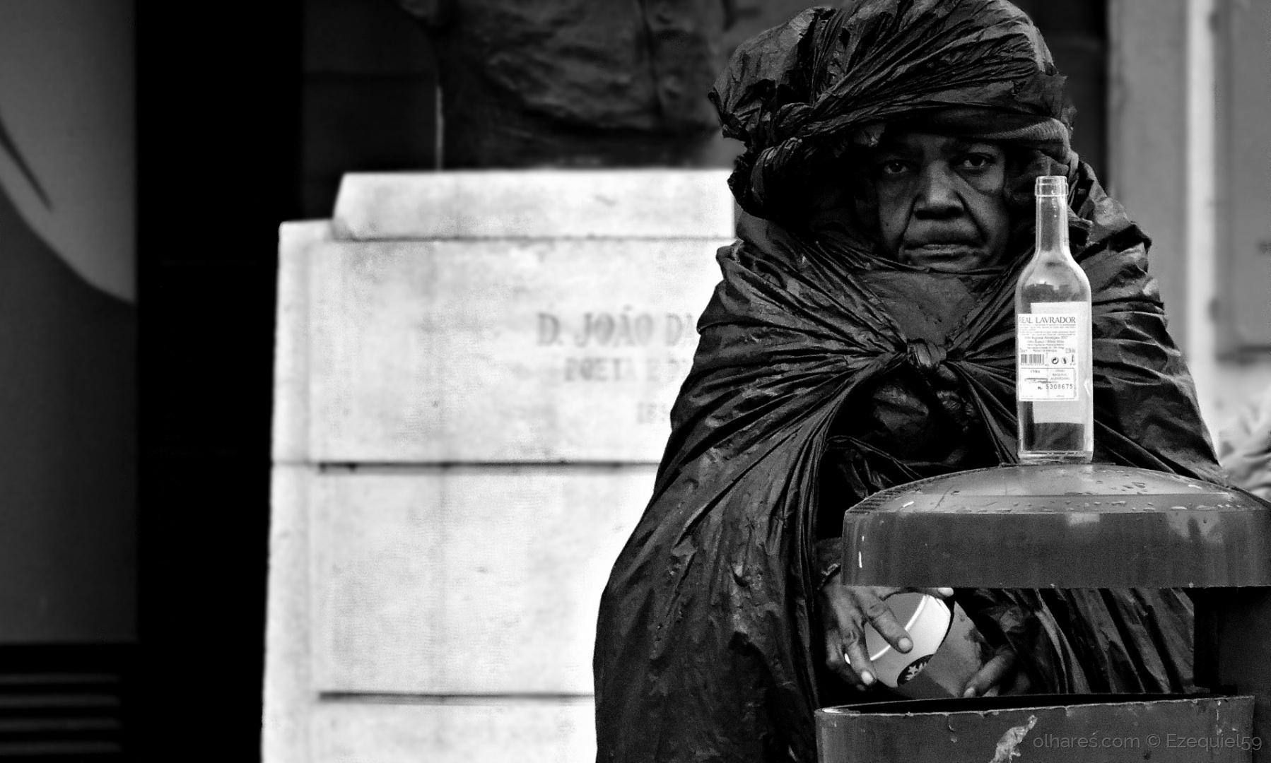 © Ezequiel59 - Da pobreza (Ler descrição)