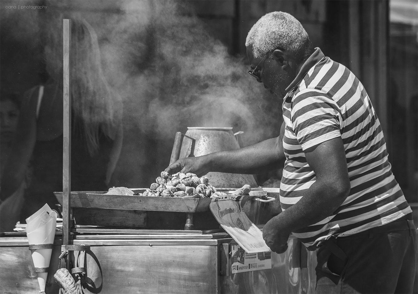 © Oana R Vacian - homem das castanhas ||