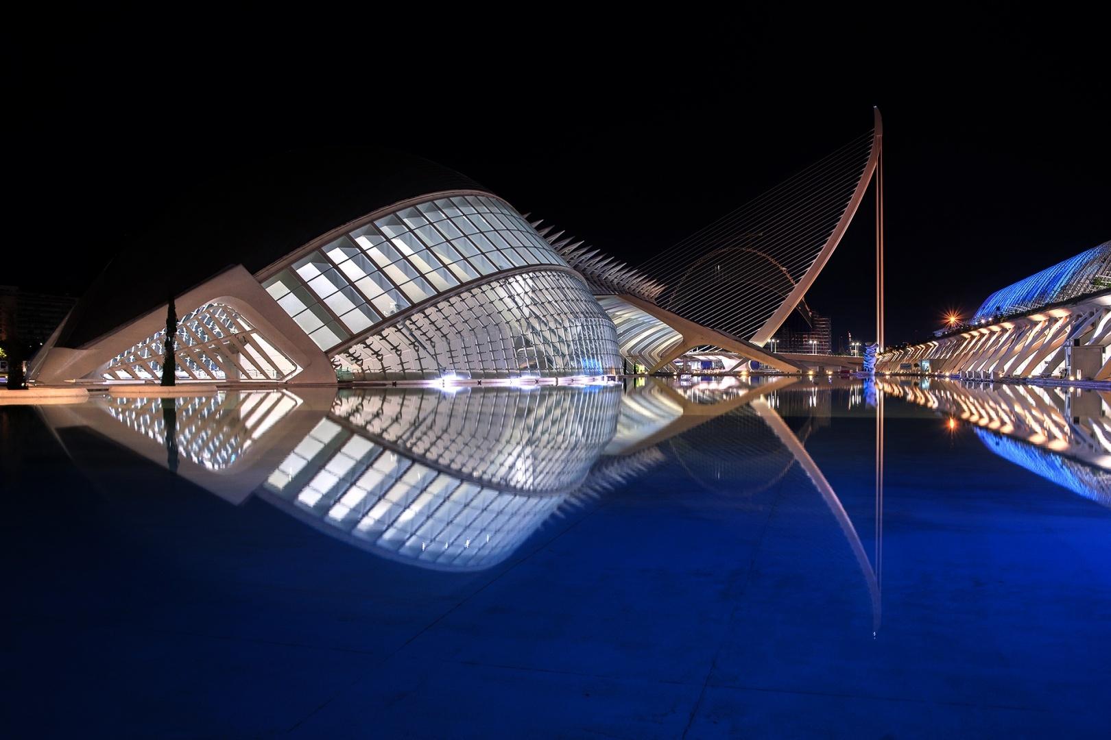 © Maria do Carmo - CAC com iluminaçao azul